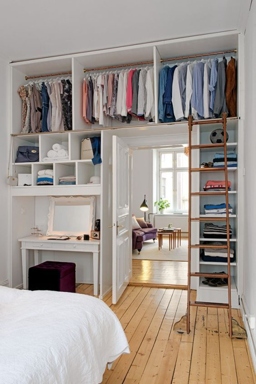 Маленькая спальня с гардеробной