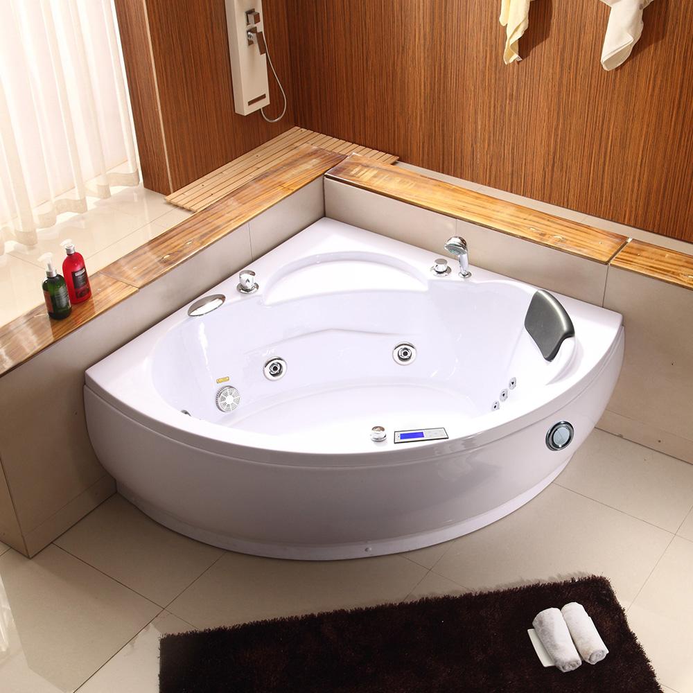 Угловая ванна с гидромассажем
