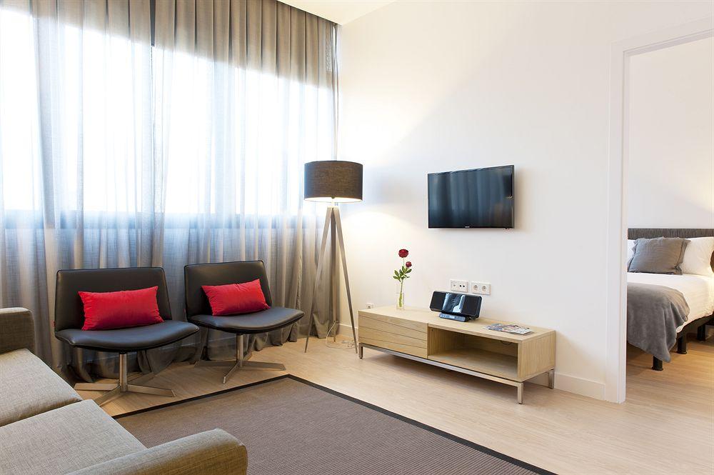 Дизайн однокомнатной квартиры с гипсокартонной стеной