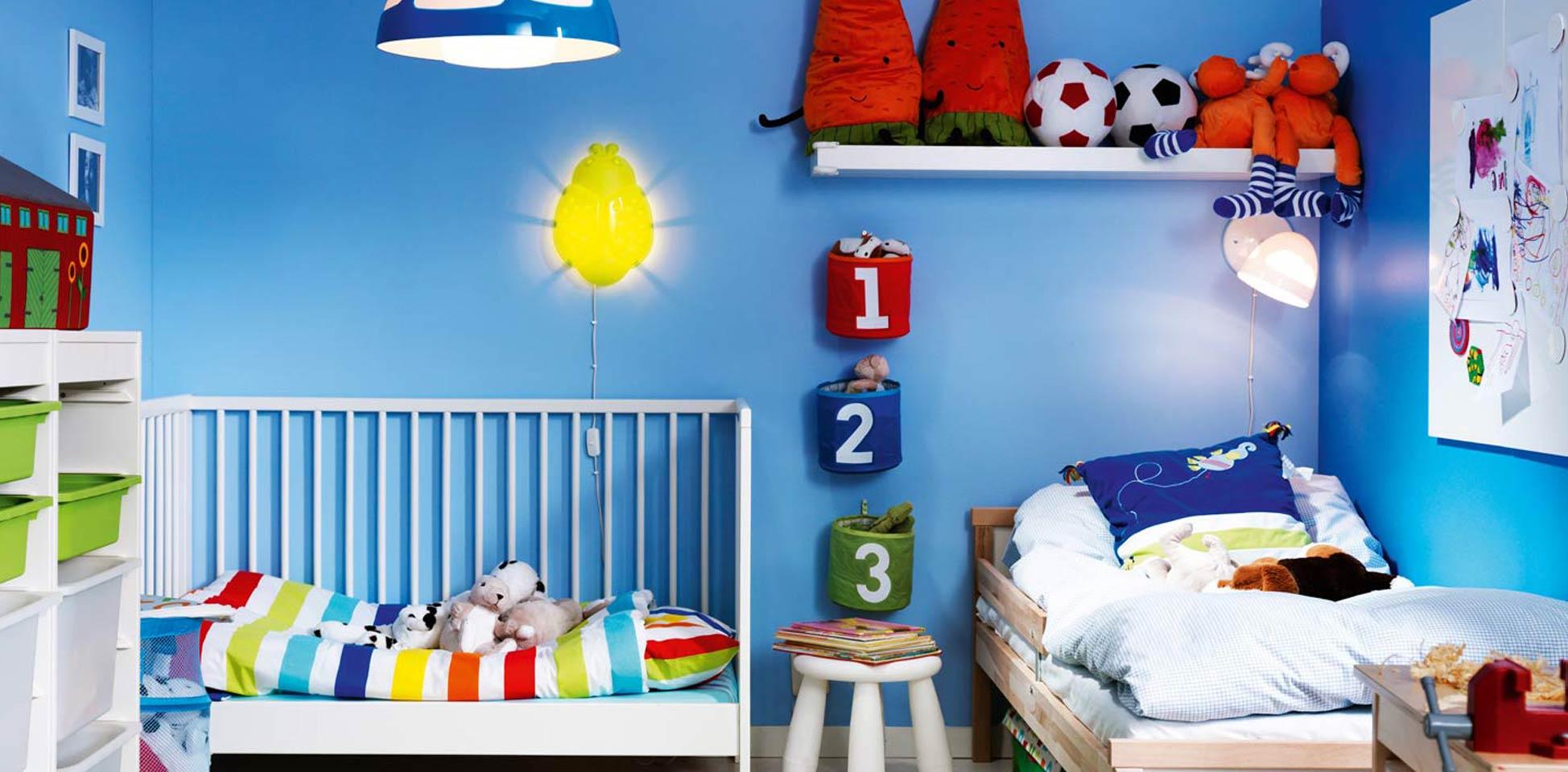 Детская комната для мальчика голубая