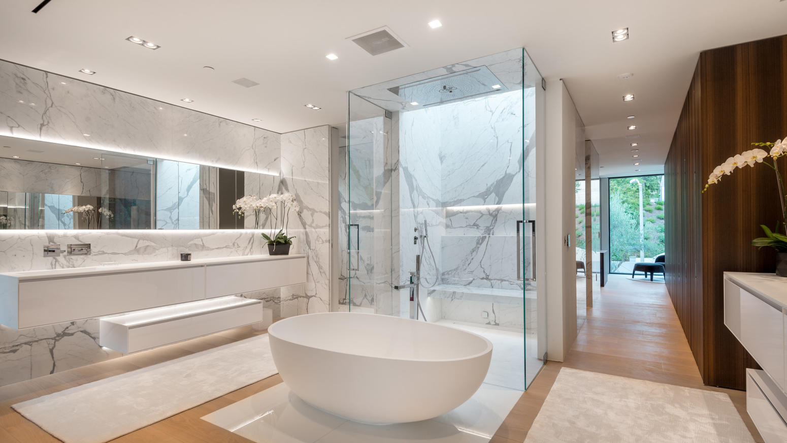 Интерьер ванной с искусственным камнем