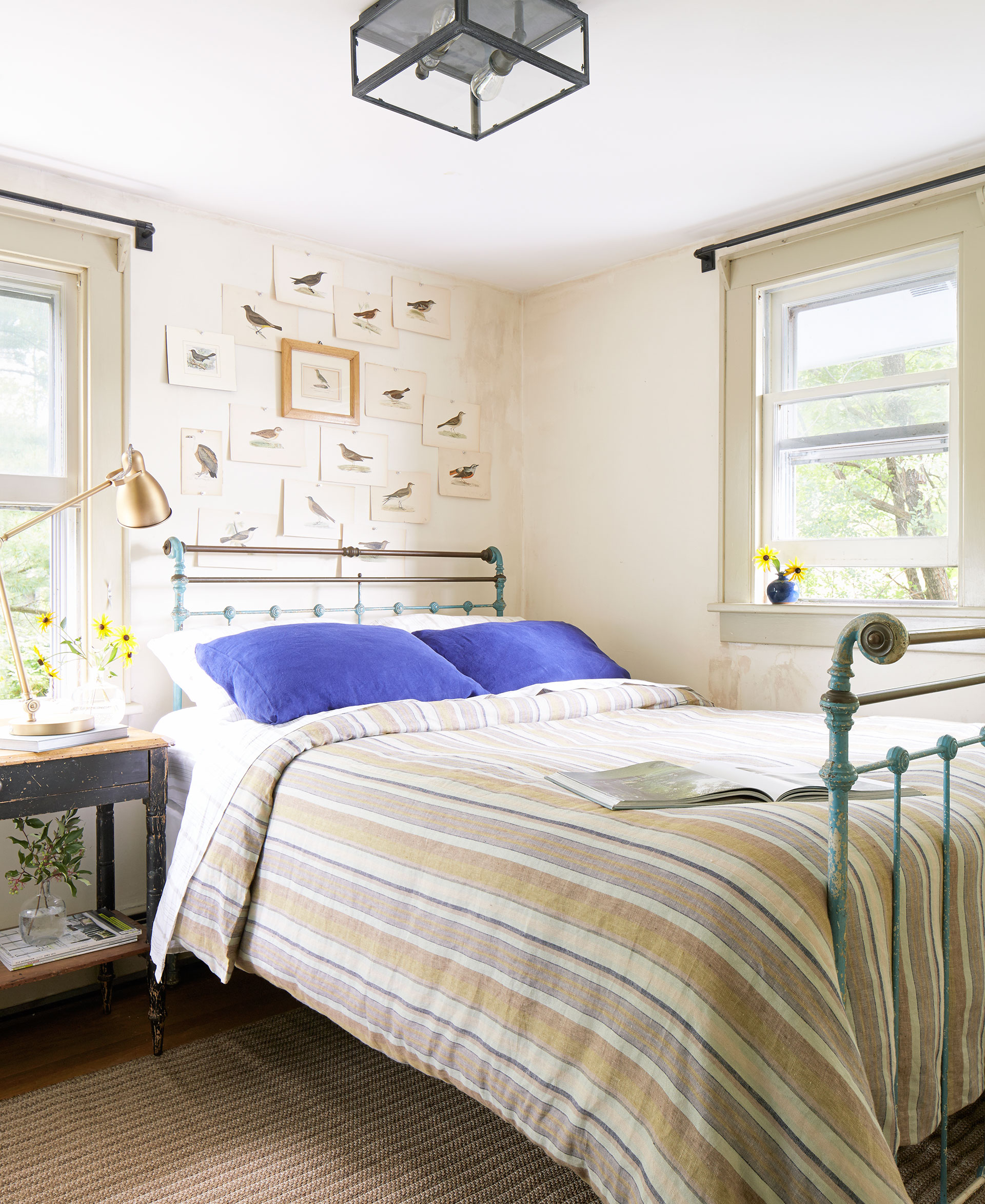 Детская комната в стиле прованс с картинами
