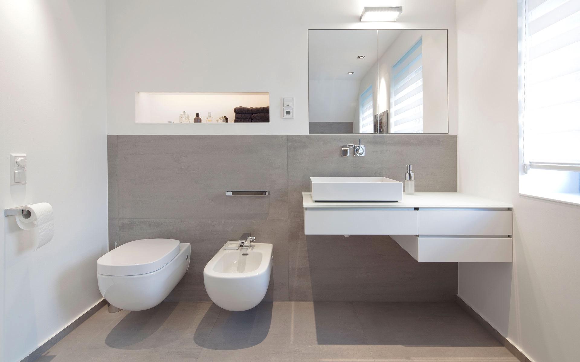 Совмещенная ванная комната с керамогранитом