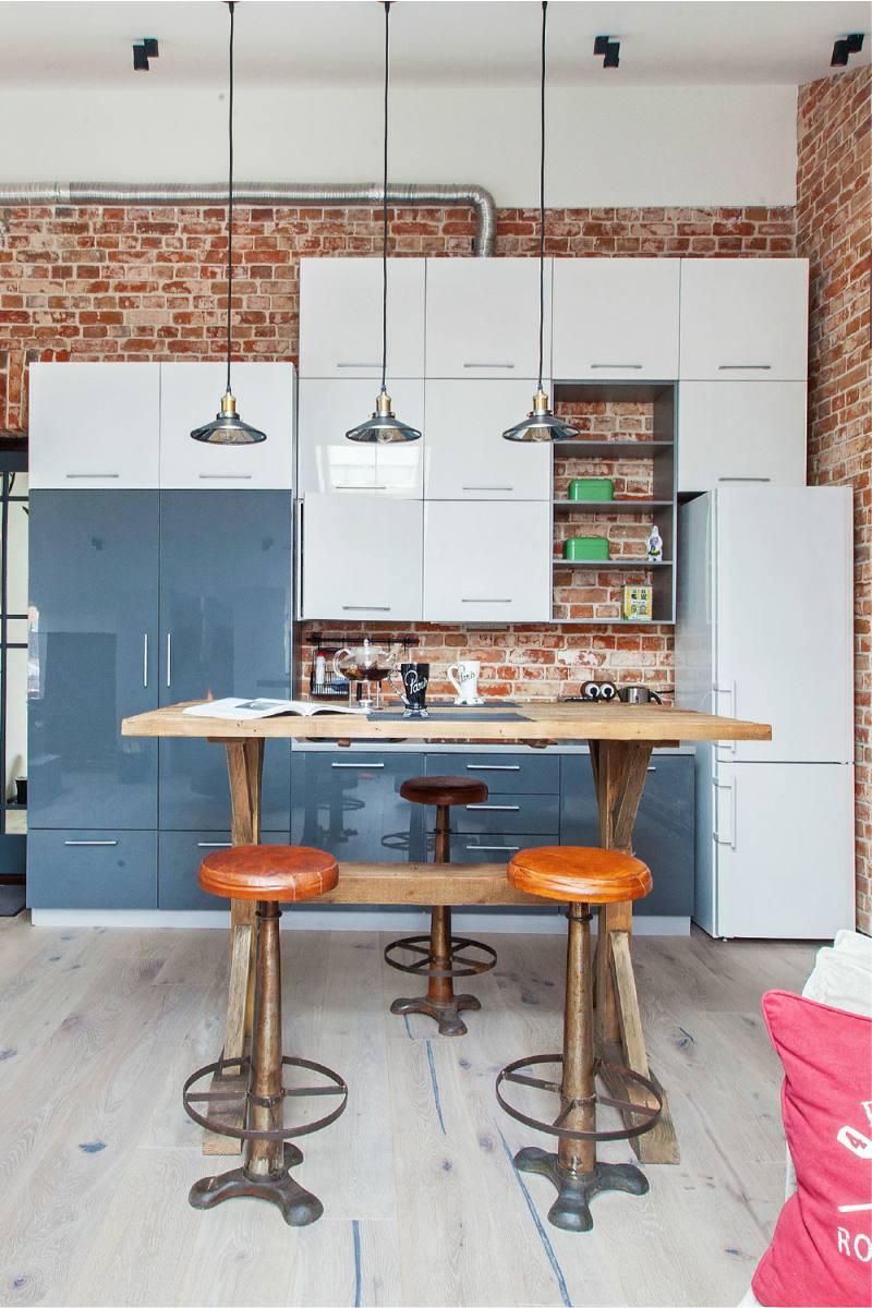 Дизайн маленькой кухни с кирпичной стеной