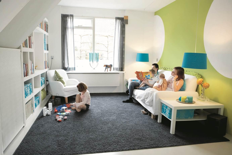 Детская в однокомнатной квартире с ковром