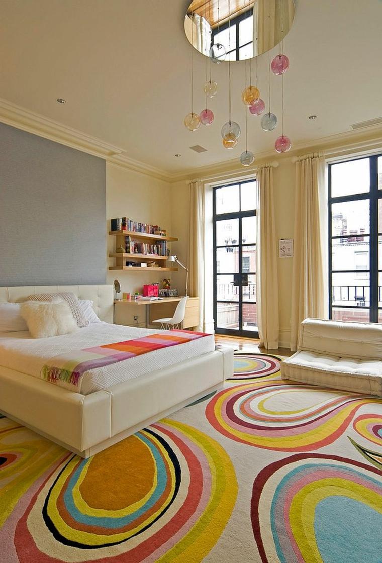Детская комната для девочки с ковром