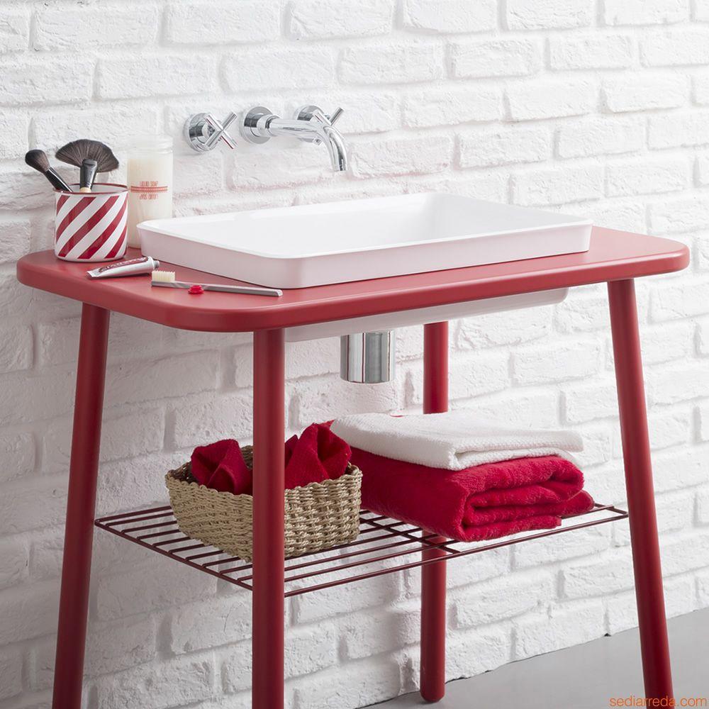 Мебель для ванной красная