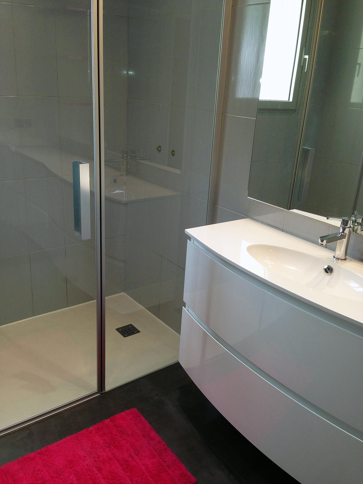 Идеи дизайна маленькой ванной в лаконичном стиле
