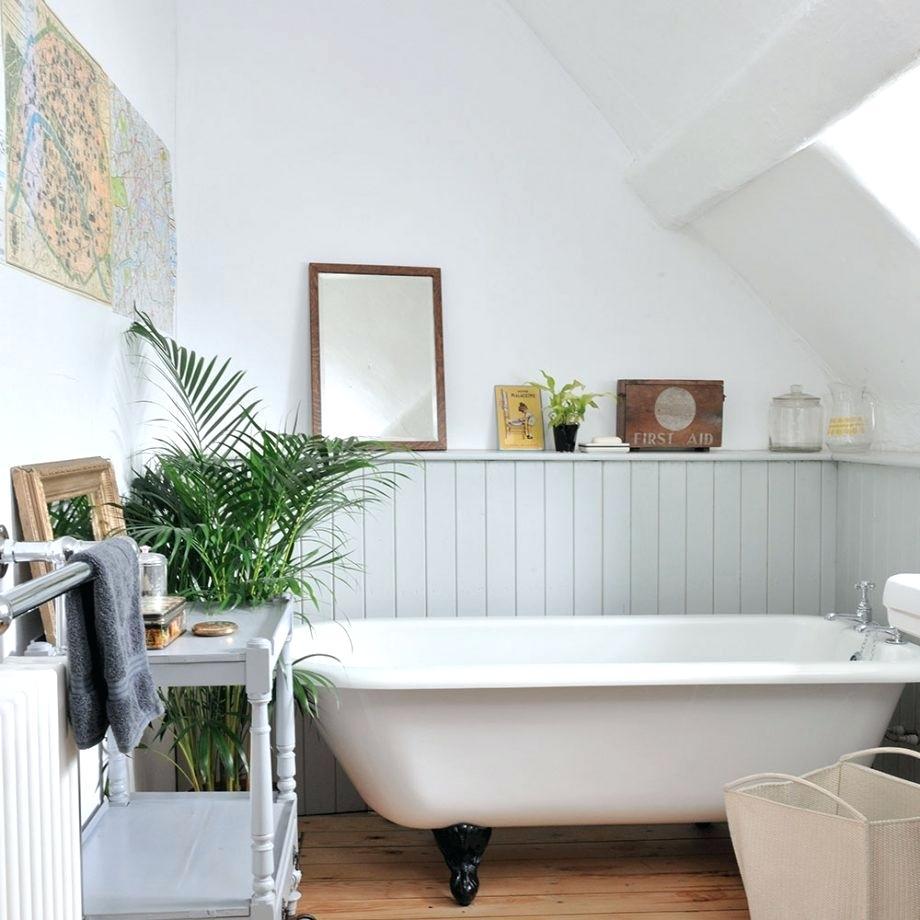 Интерьер ванной на мансарде
