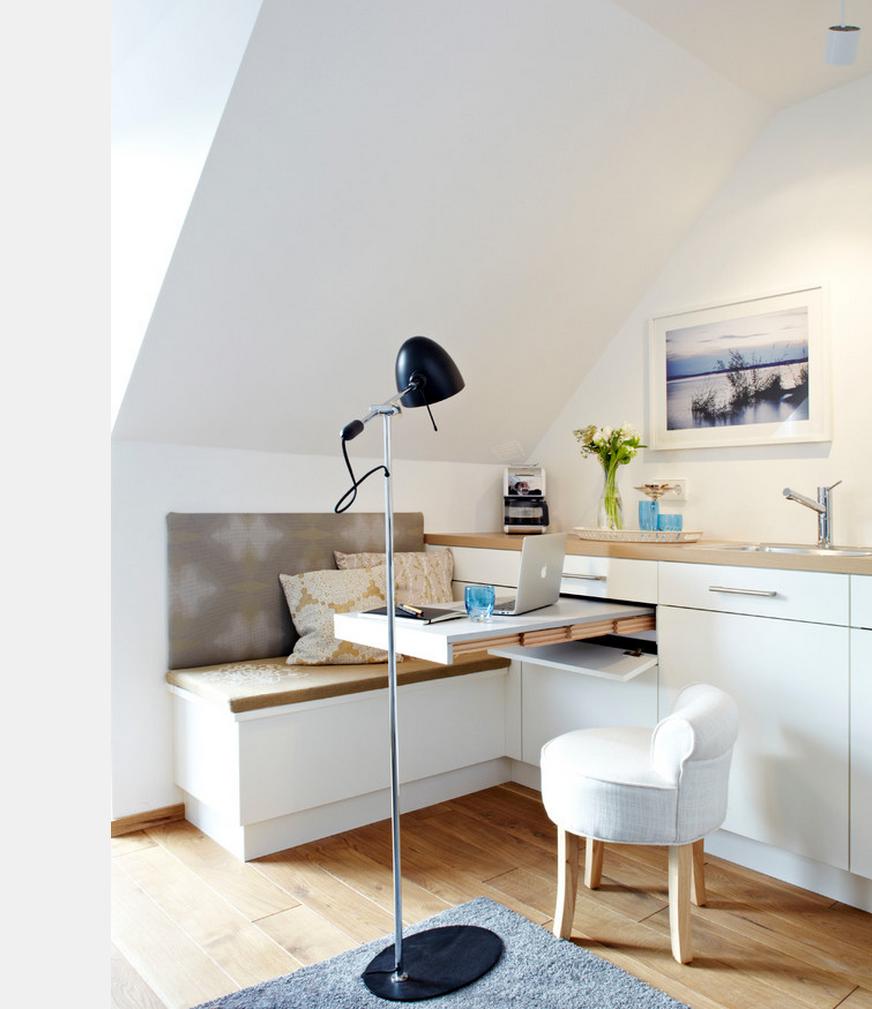 Дизайн маленькой кухни на мансарде