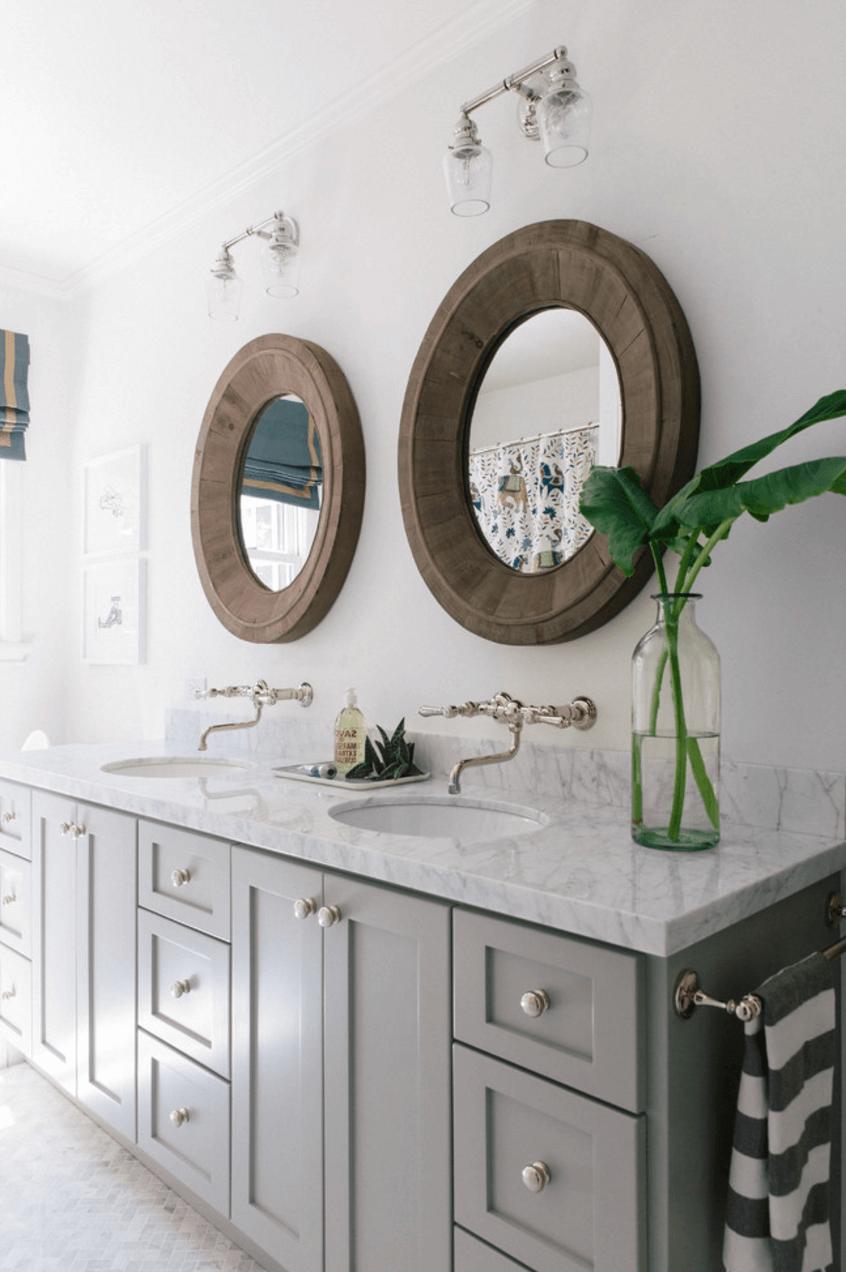 Зеркало в ванную из массива