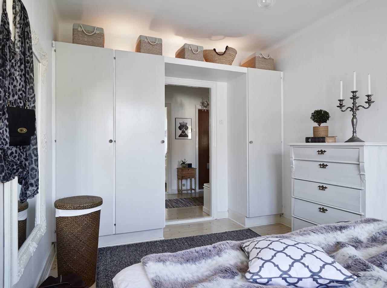Маленькая спальня с мебелью