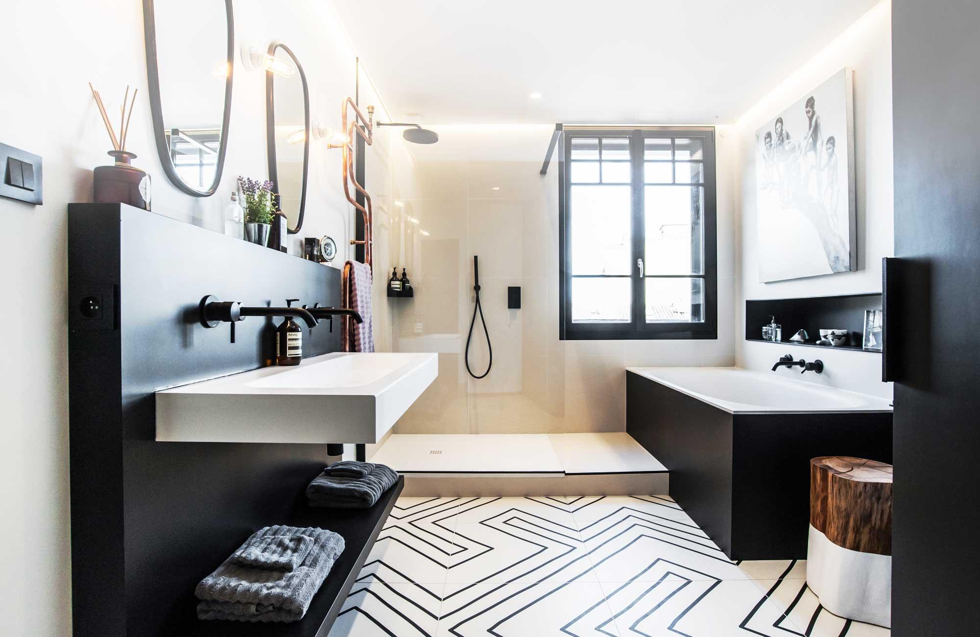 Ванная в монохромном дизайне