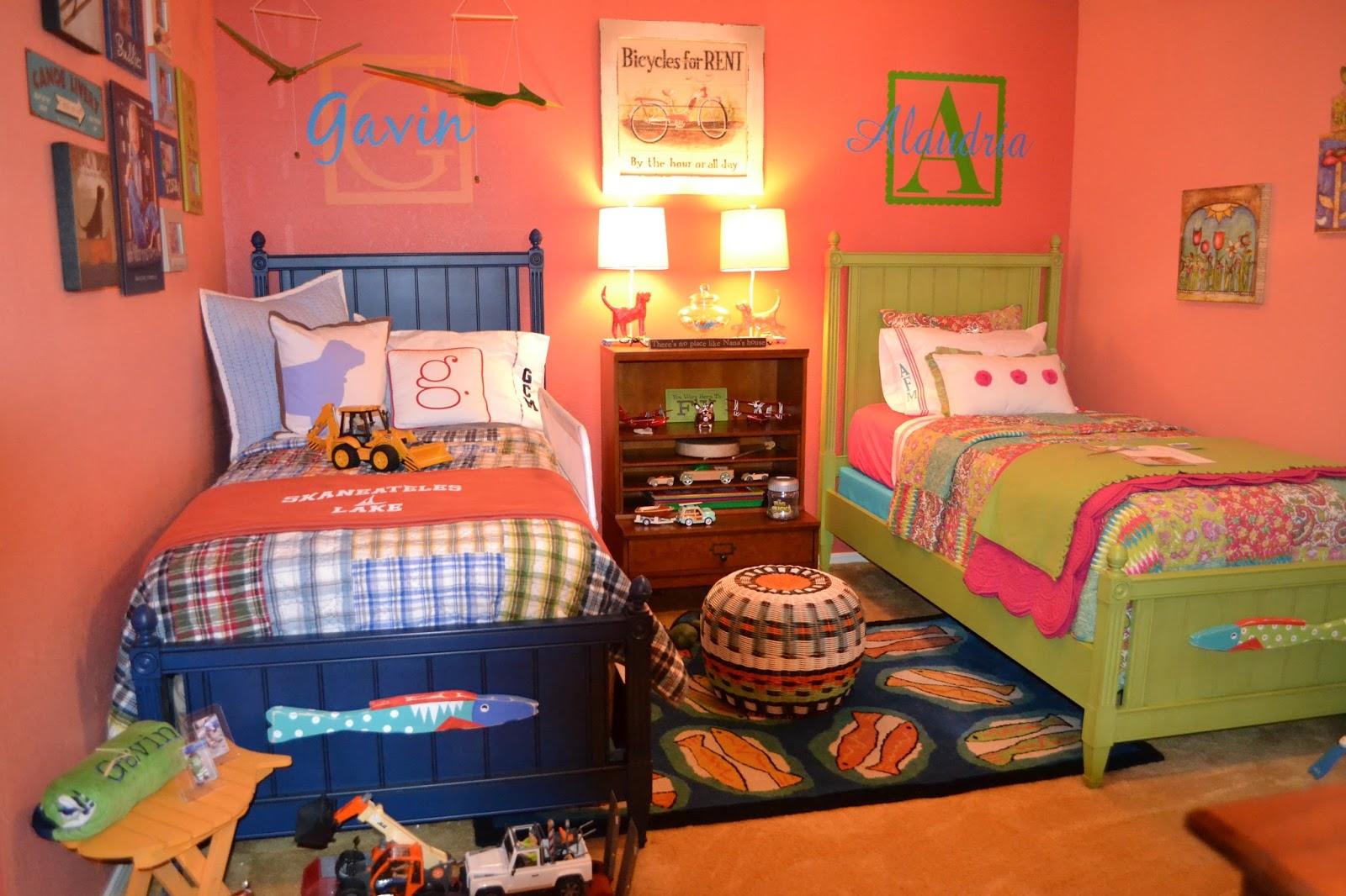 Детская комната для девочки в морском стиле