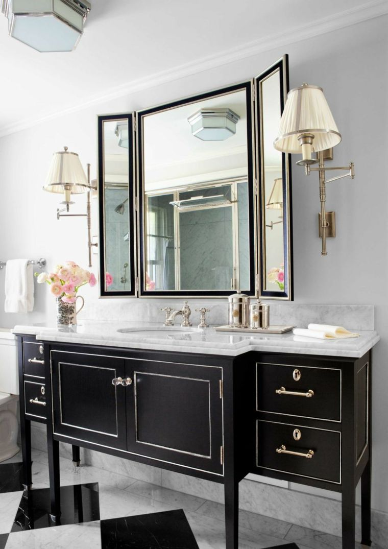 Черно-белая ванная в неоклассическом стиле