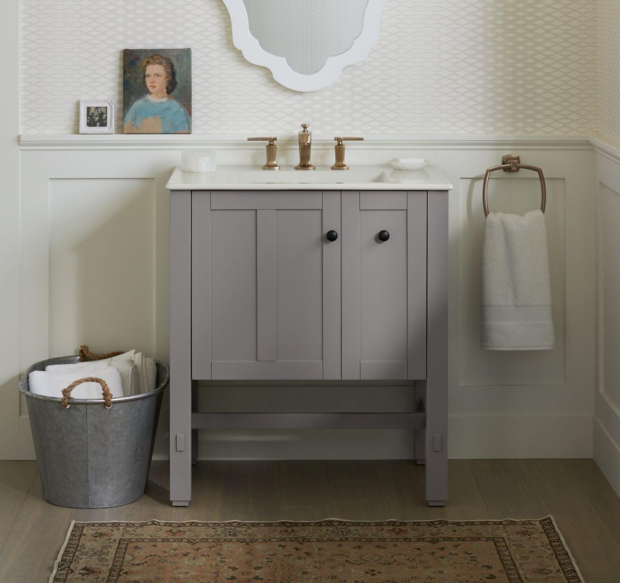Мебель для ванной на ножках