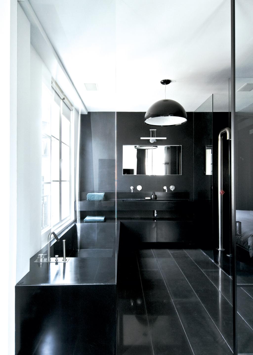 Черно-белая отделка ванной