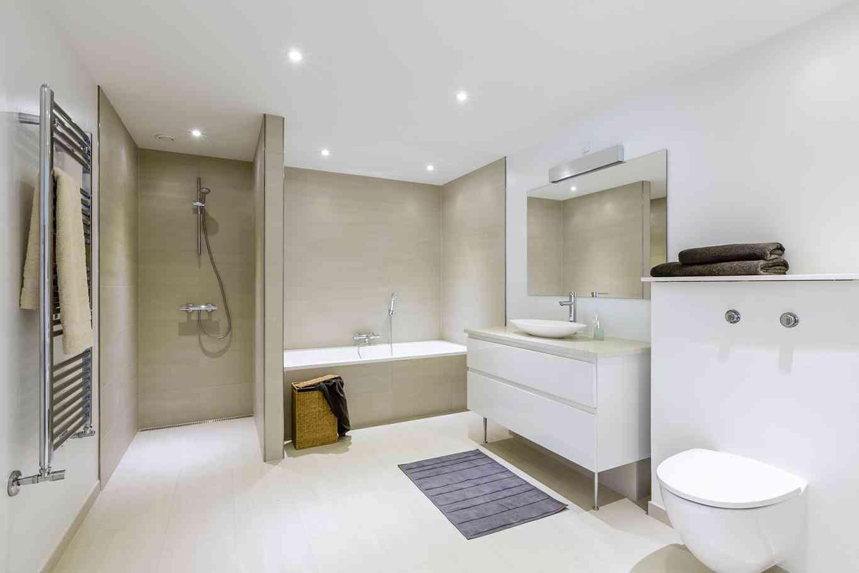 Отделка совмещенной ванной комнаты