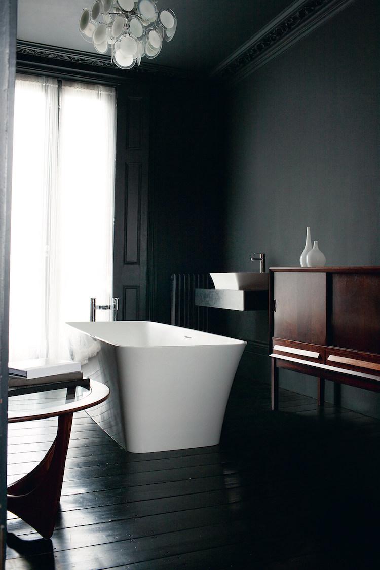 Черная ванная отделка
