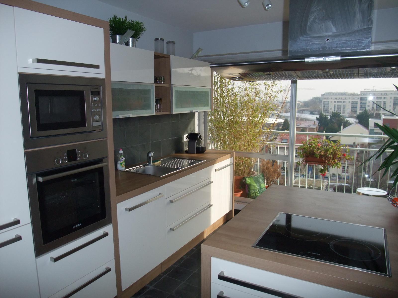 Кухня 9 кв м с панорамным окном