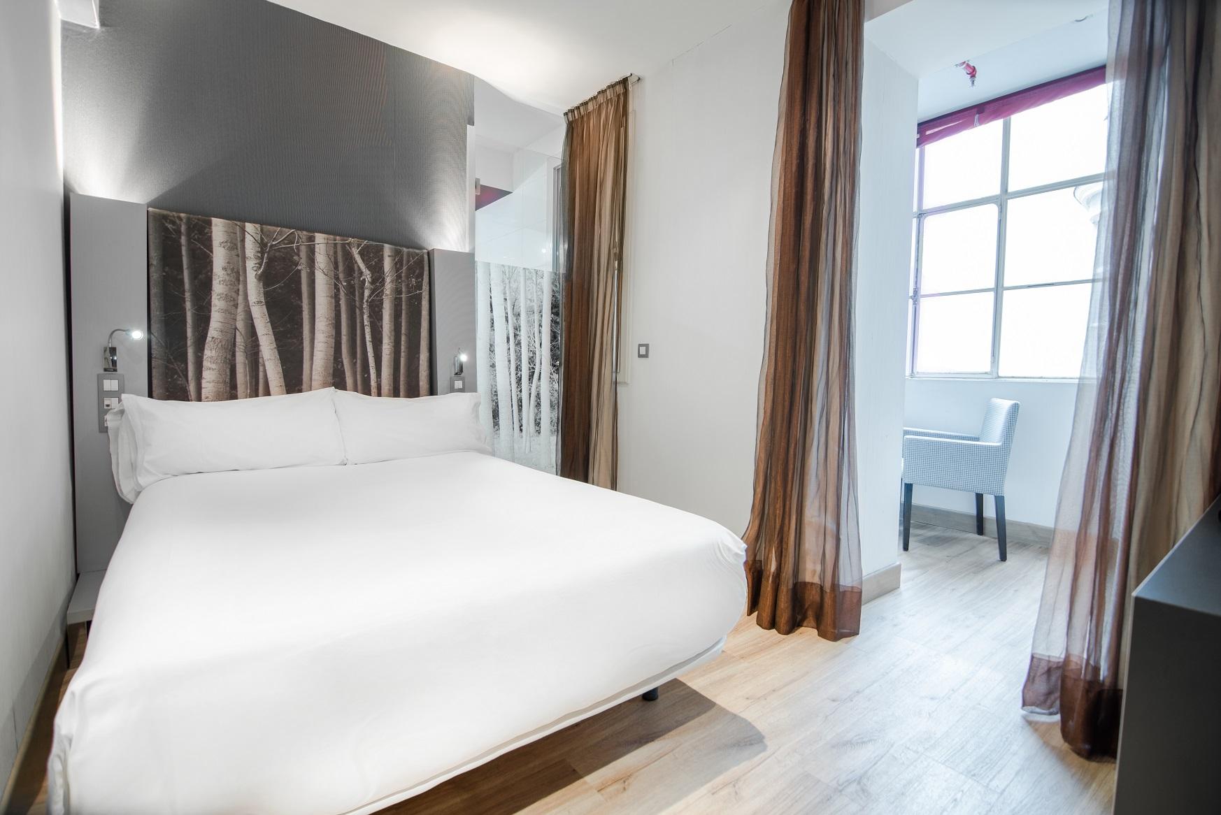 Маленькая спальня с перегородками