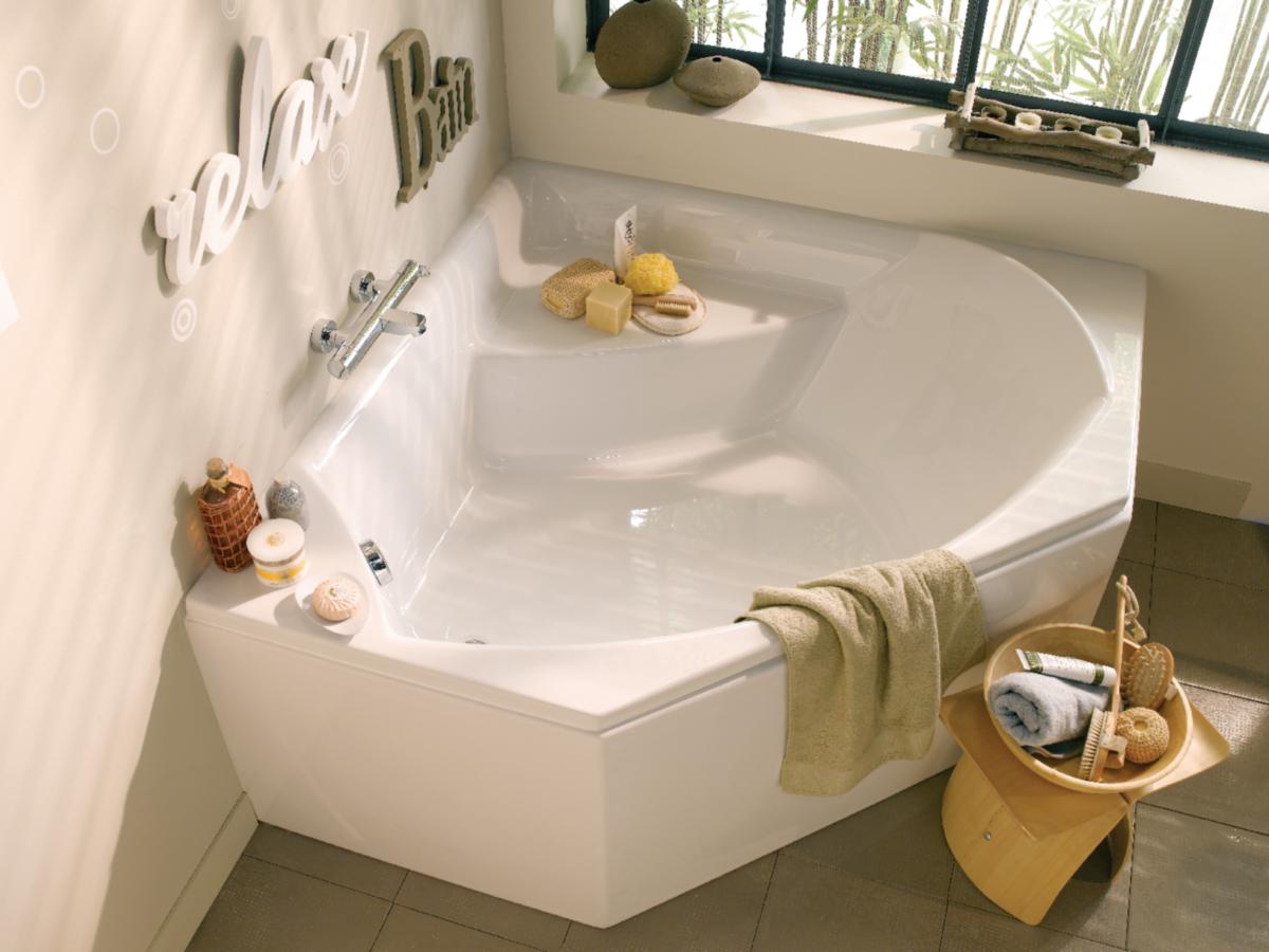Угловая ванна пластиковая