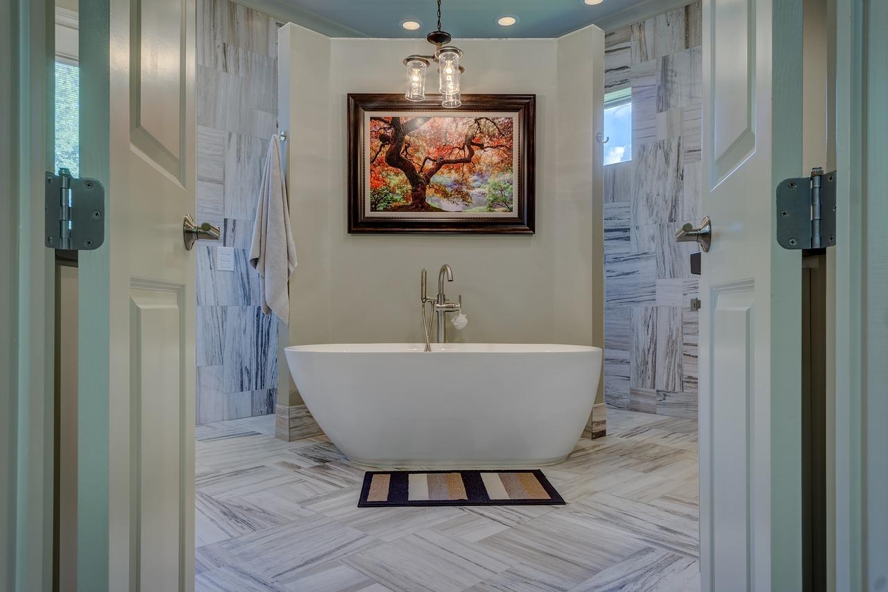 Интерьер ванной с плиткой