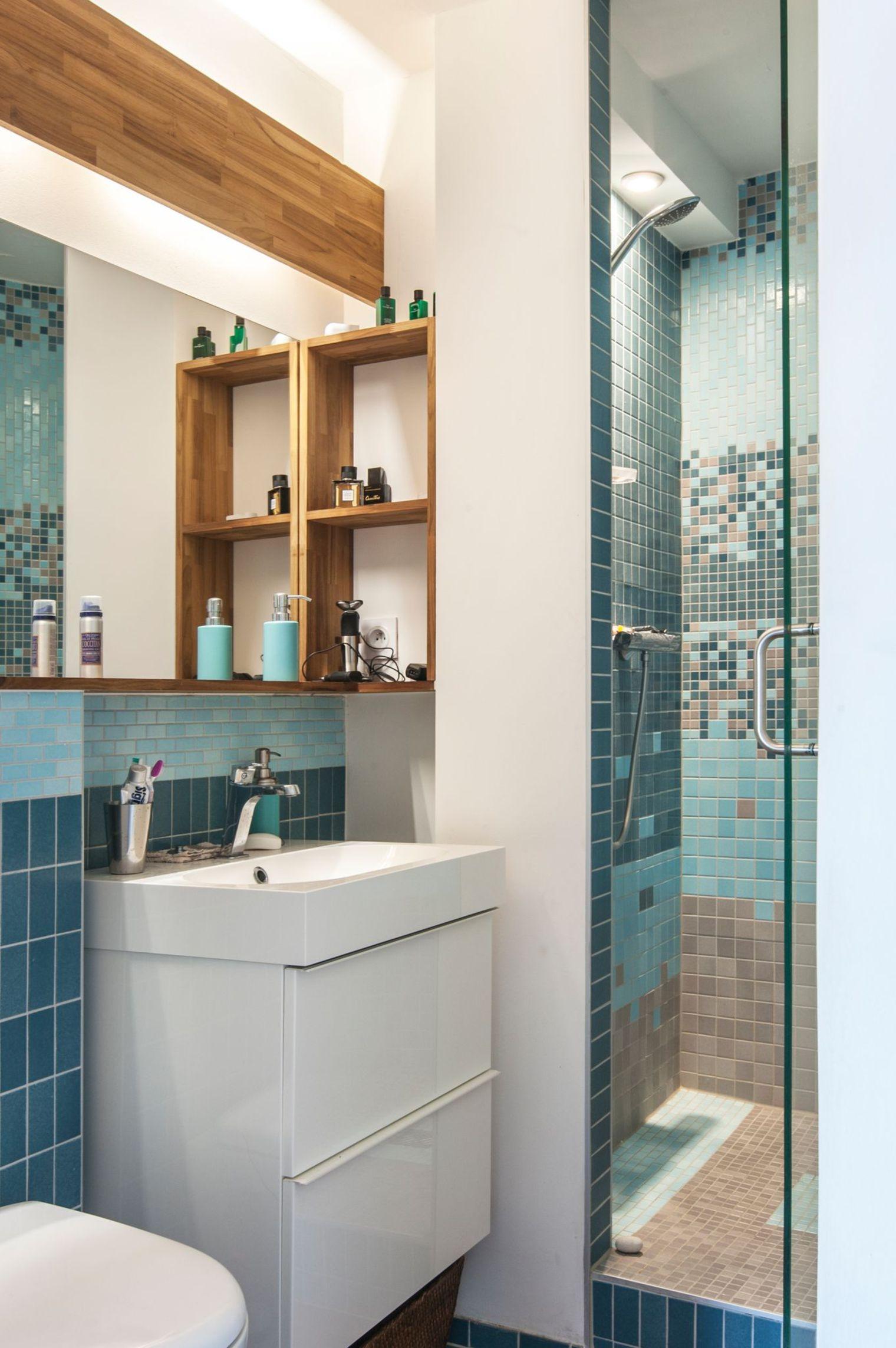 Идеи дизайна маленькой ванной с полками