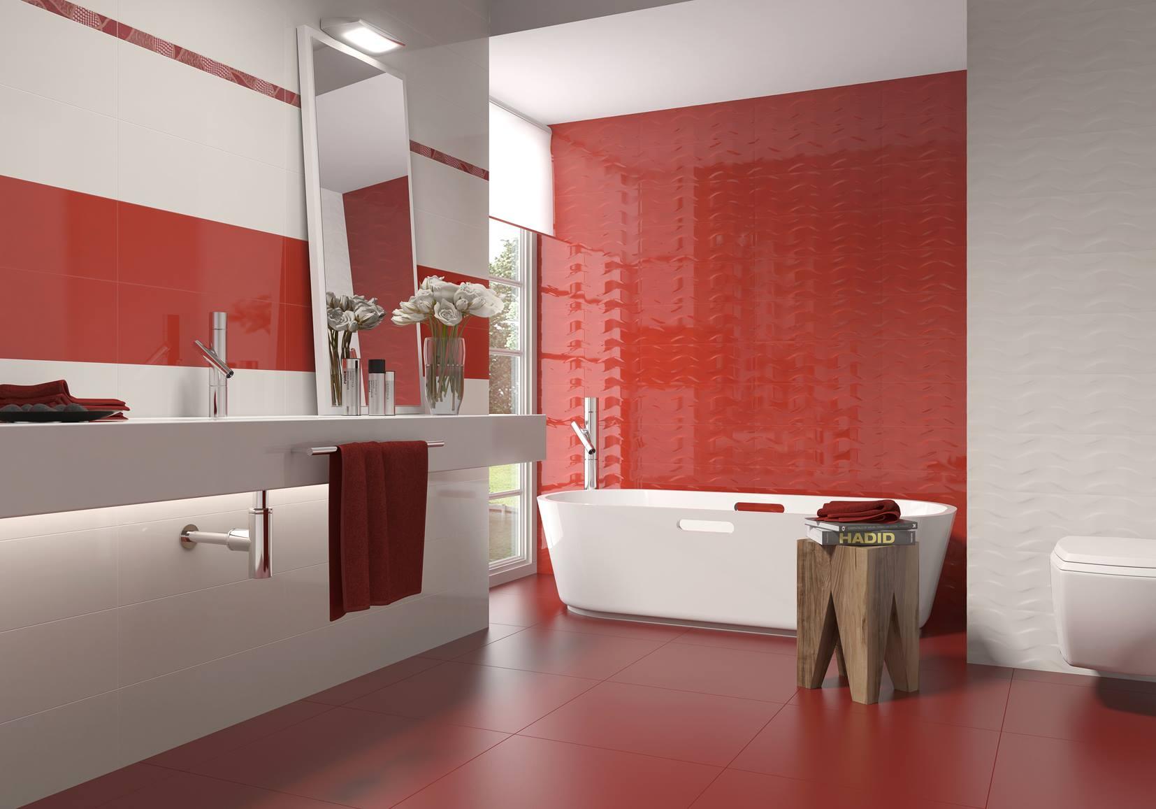 Красная рельефная плитка в ванной