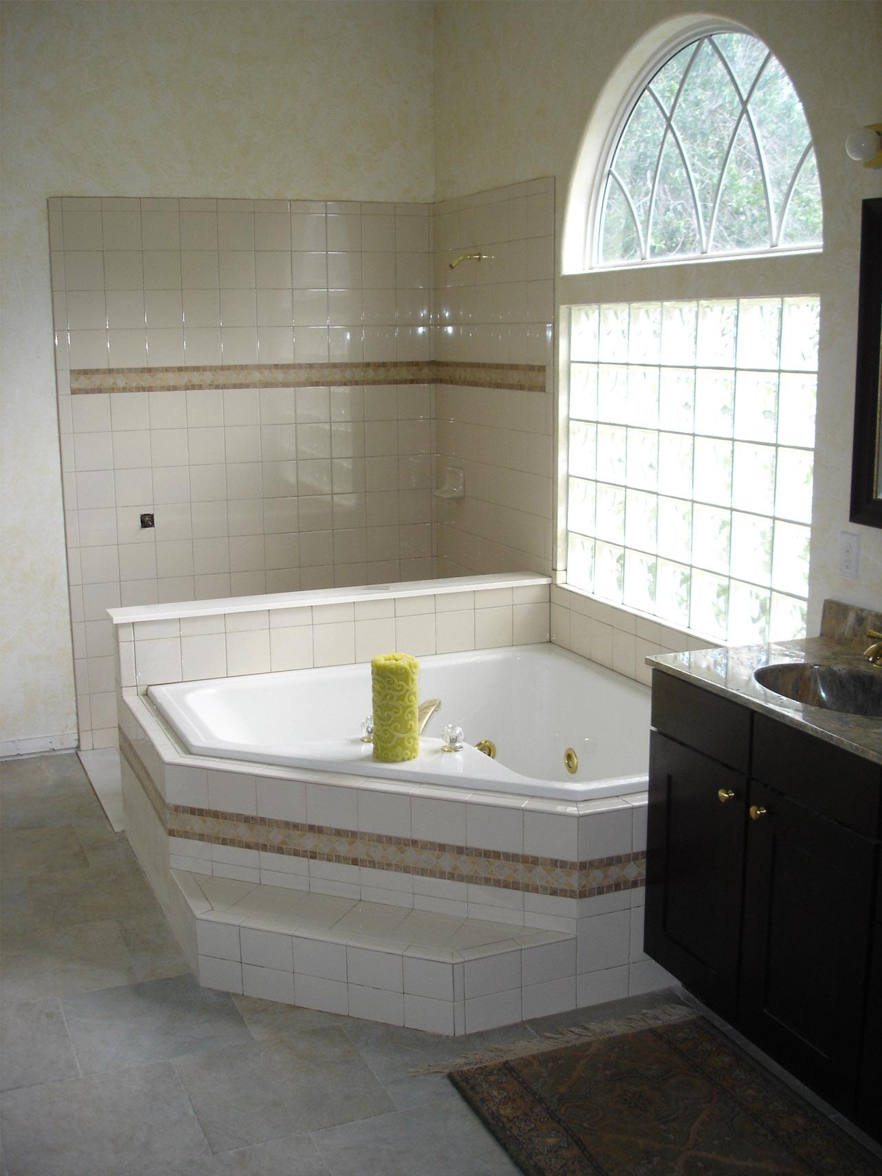 Ремонт угловой ванны