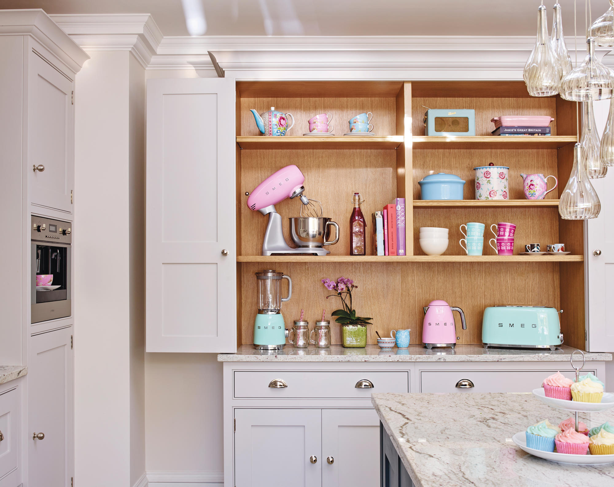Дизайн маленькой кухни в стиле ретро