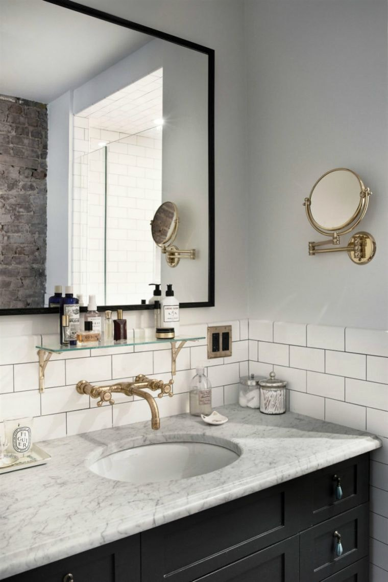 Зеркало в ванную комнату в стиле ретро футуризм