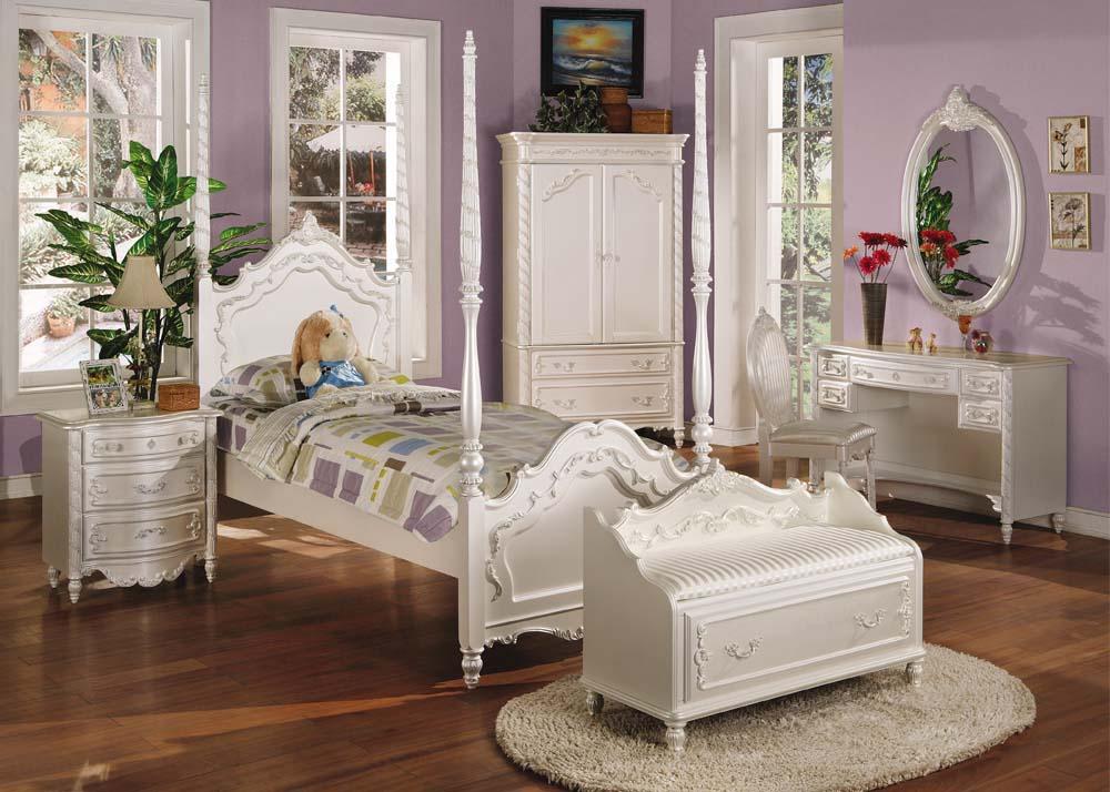 Детская комната в стиле прованс резная