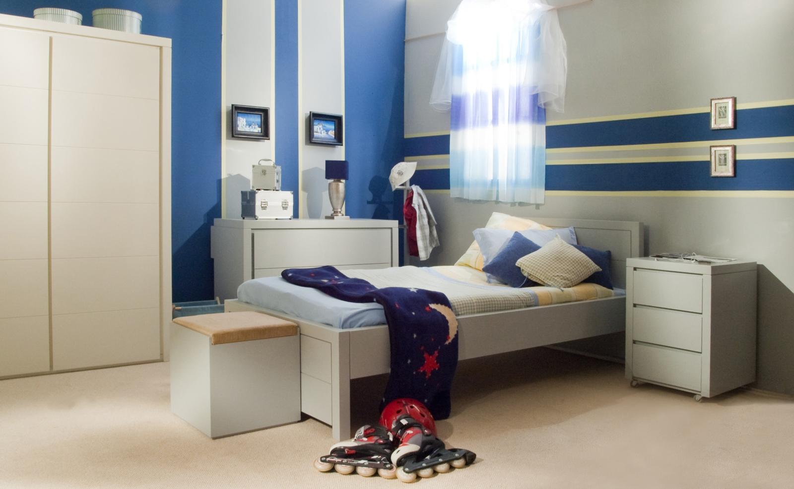Детская комната для мальчика серая