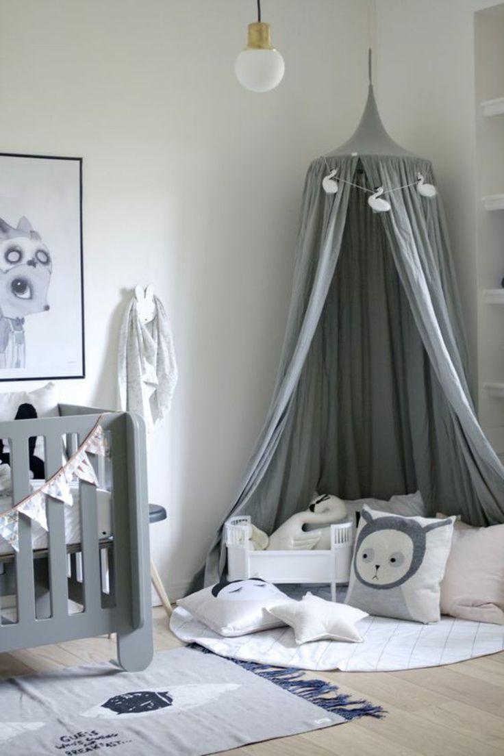 Комната для новорожденного серая