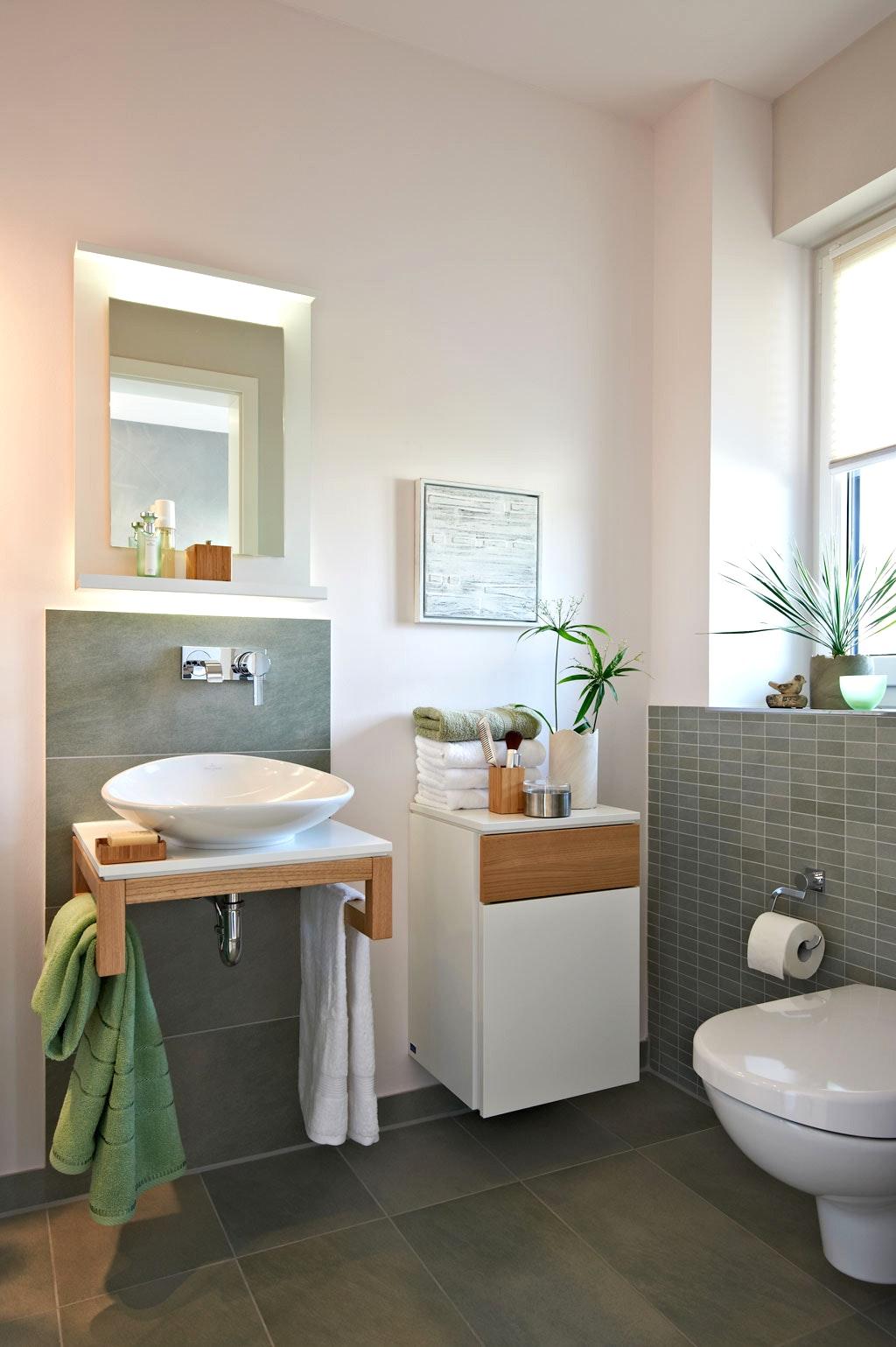 Идеи дизайна маленькой ванной серой