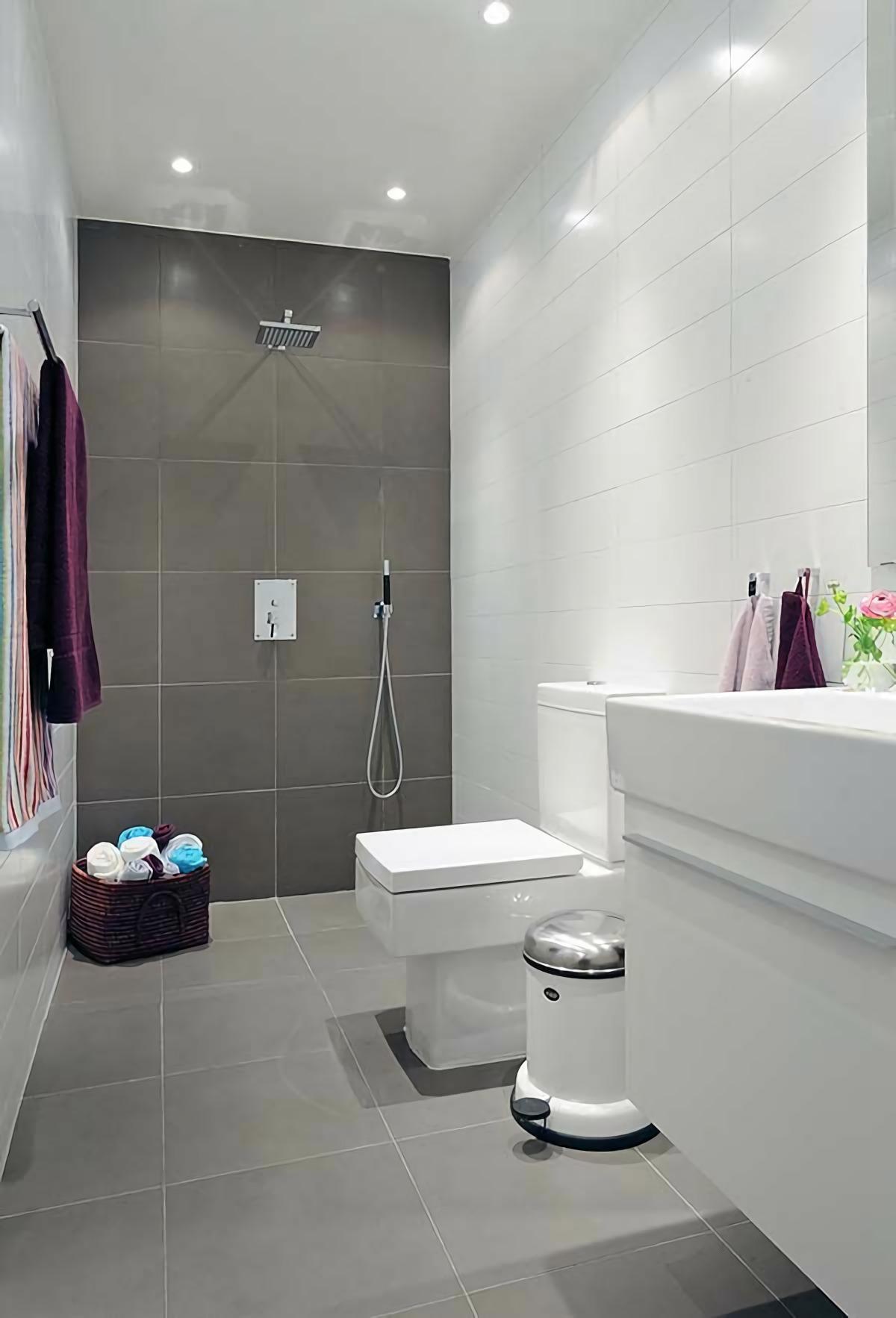 Совмещенная ванная комната серая