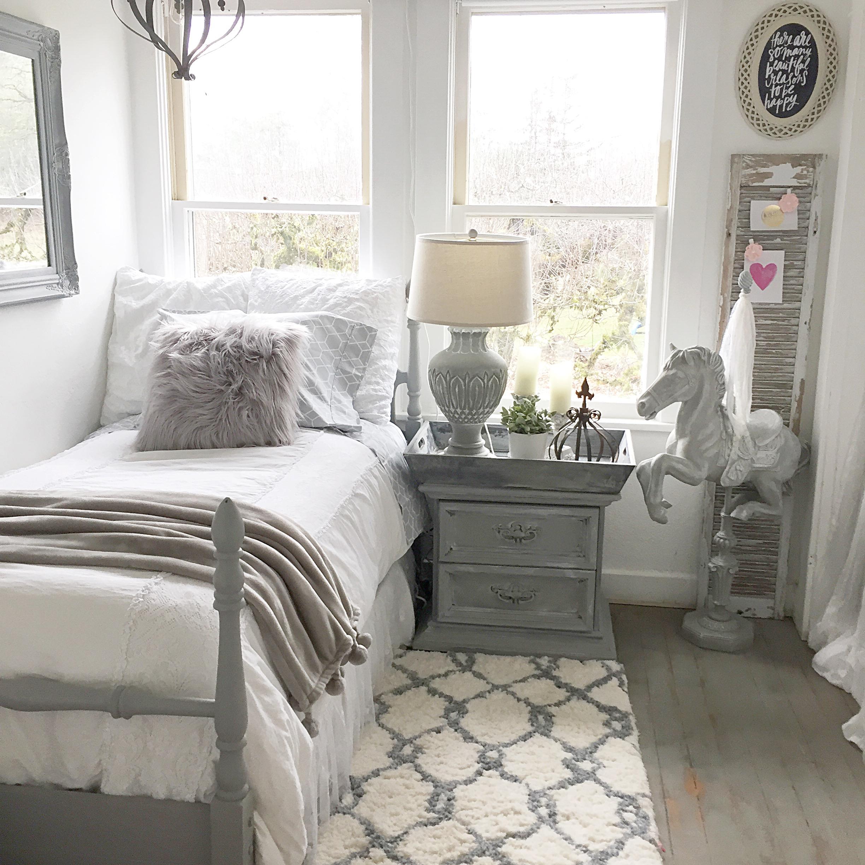 Детская комната в стиле прованс серого цвета