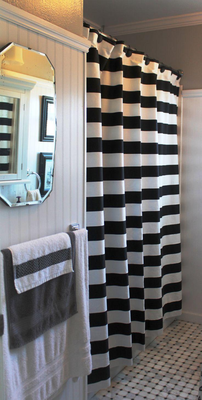 Черно-белая шторка в ванной