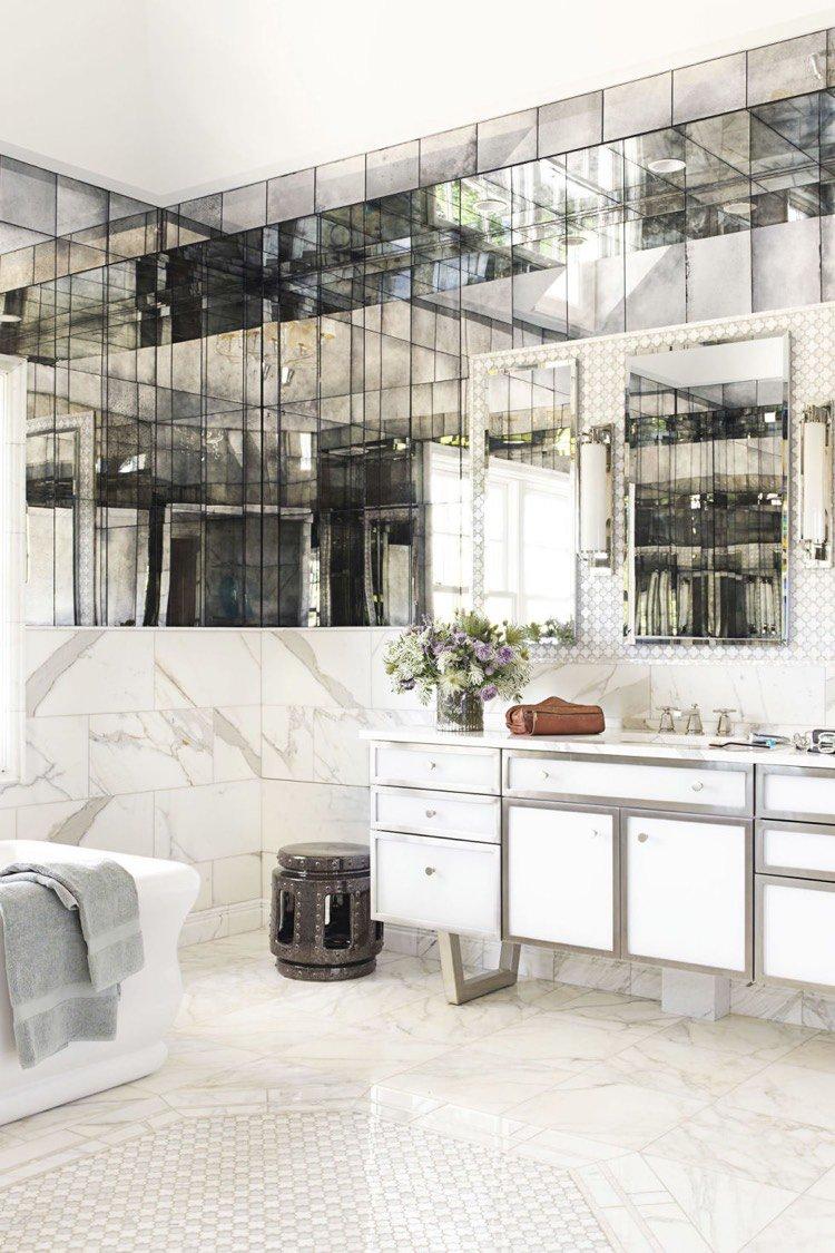 Зеркальная состаренная плитка в ванную комнату