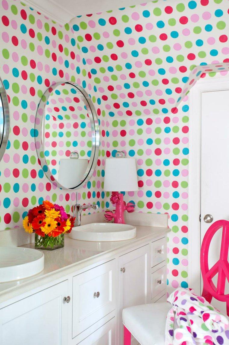 Зеркало в ванную комнату в стальной раме