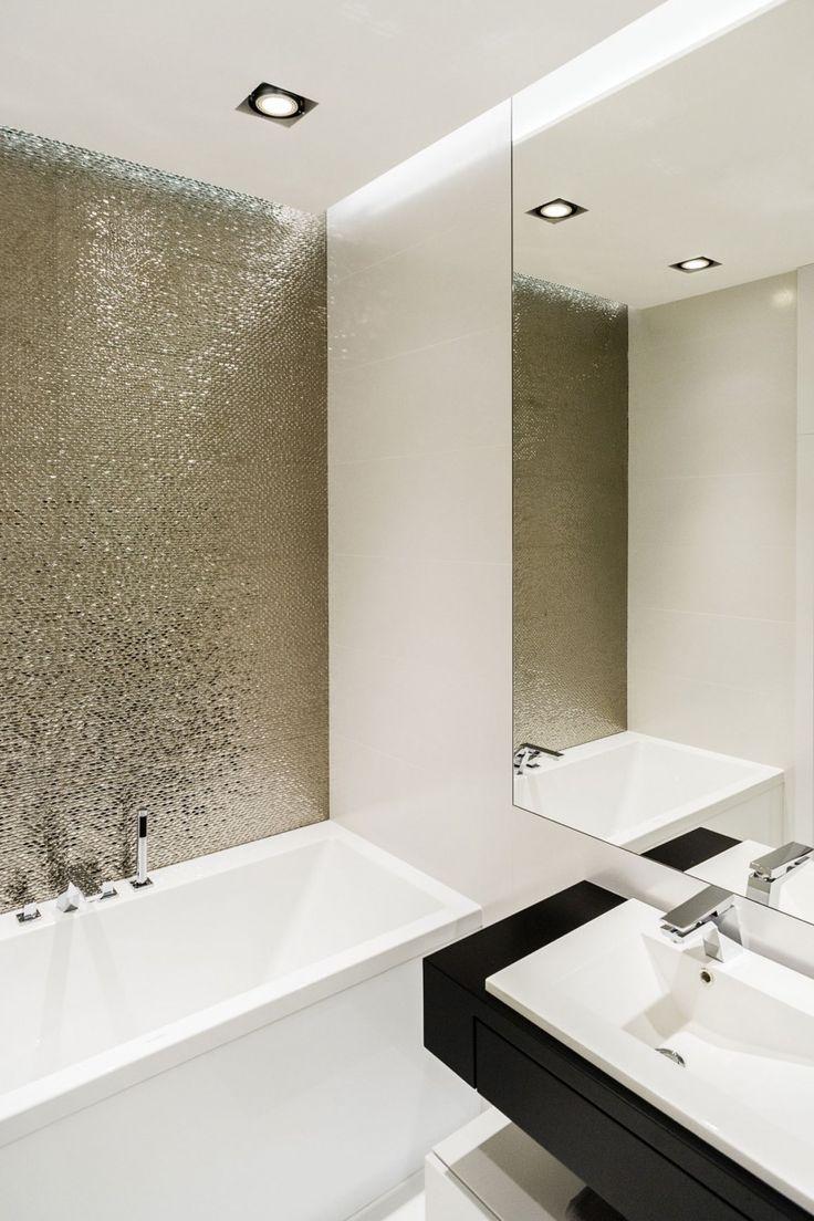 Ванная 4 кв м с декоративной стеной
