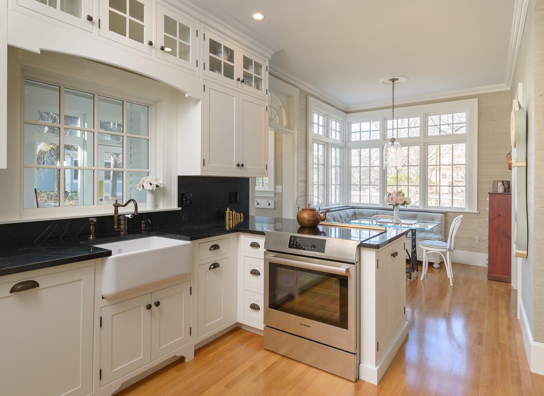 Дизайн маленькой кухни столовой