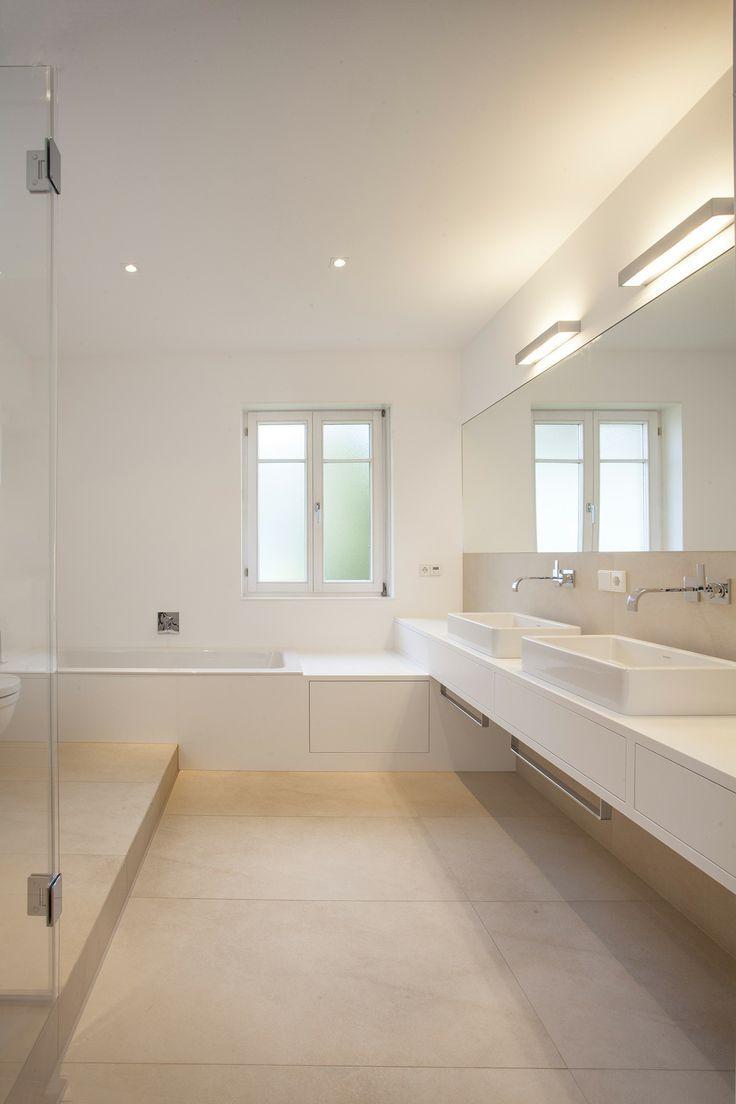 Совмещенная ванная комната светлая