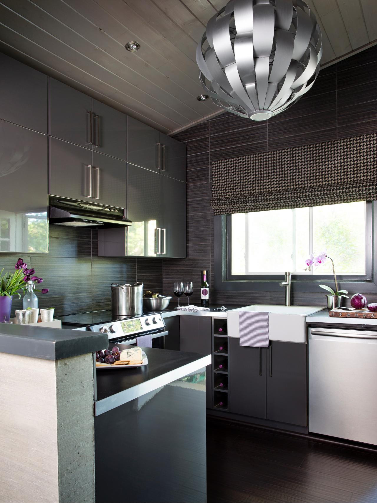 Кухня 9 кв м темная