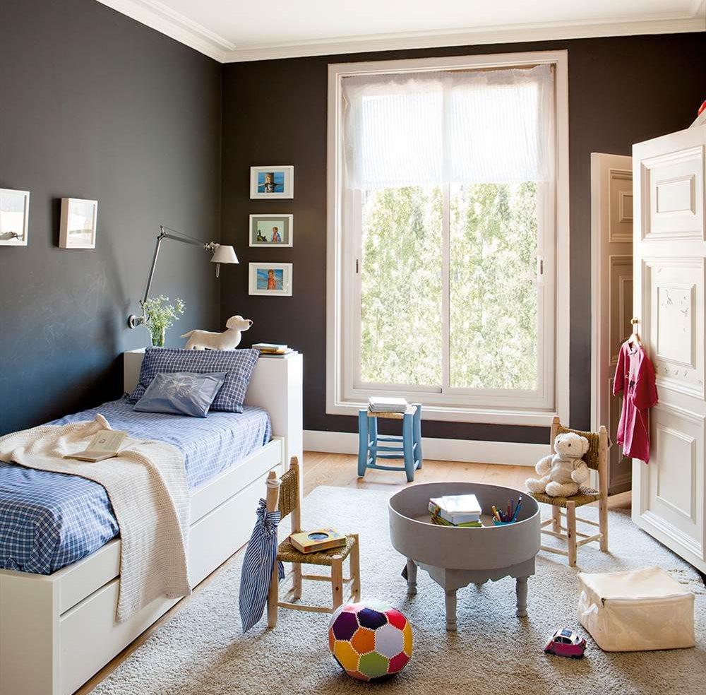 Детская комната для девочки темная