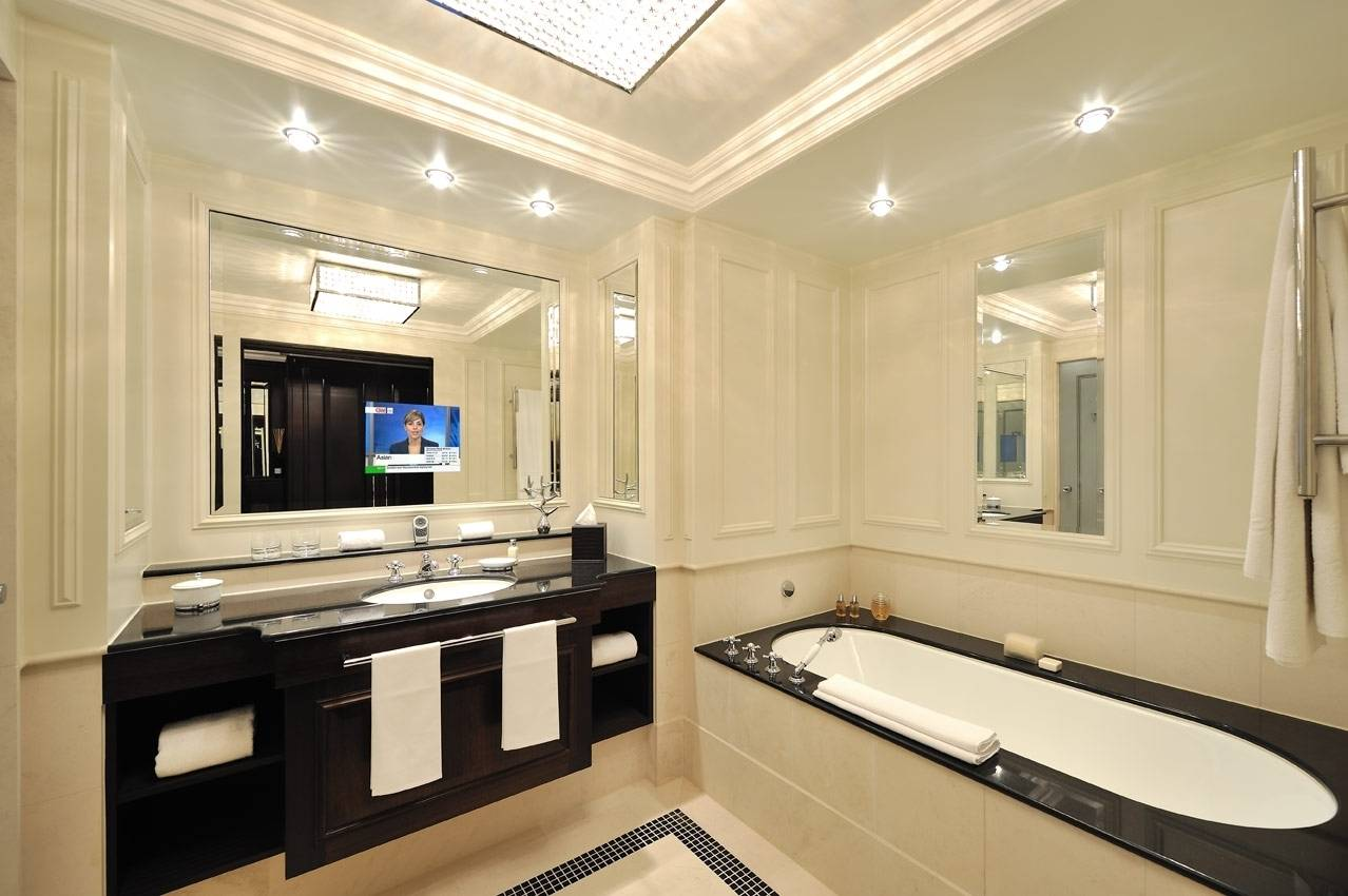 Зеркало в ванную комнату с ТВ