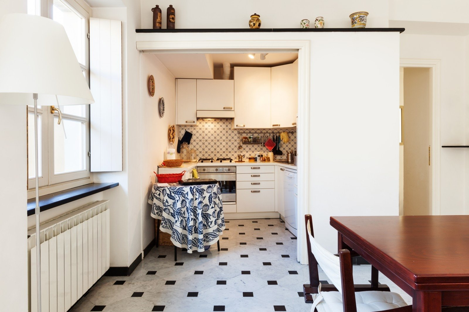 Дизайн маленькой кухни угловой