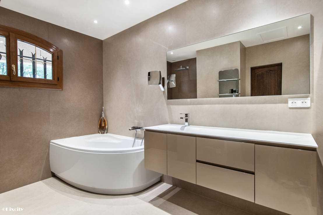 Ванная 4 кв м с угловой ванной