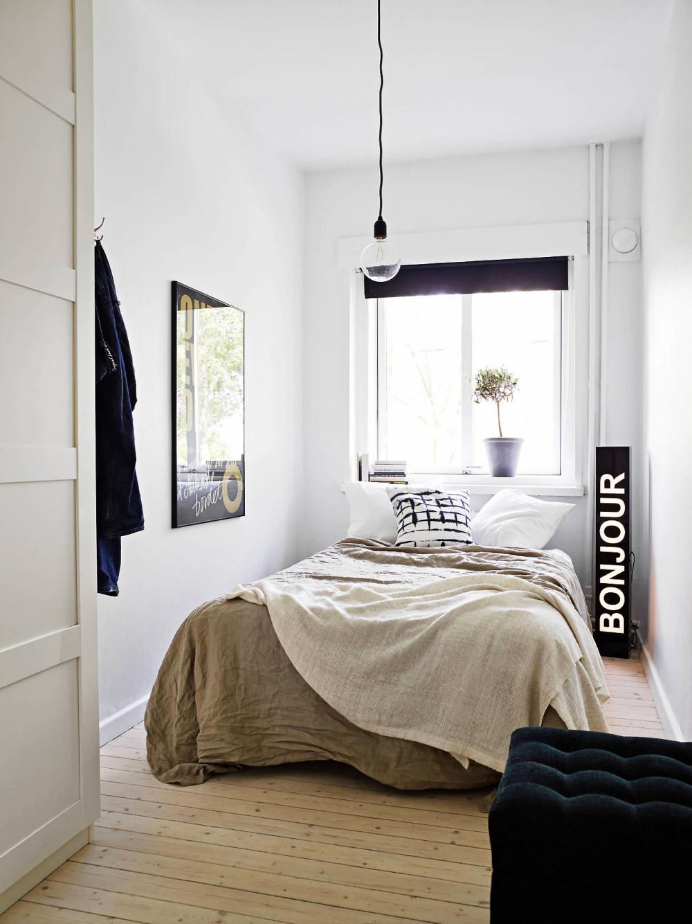 Маленькая спальня узкая